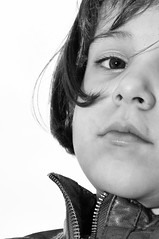 Elle (tontonlabiere) Tags: portrait girl nikon flash daughter sigma enfants fille d90 1850f28 éloïse sb900