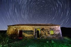 circumpolar calblanque (raul_lg) Tags: longexposure sky house lightpainting luz canon stars casa murcia cielo nocturna polar cartagena startrails largaexposicion calblanque circumpolar 5dmarkii raullg