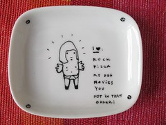 the boyfriend gift (drawn things - cosas dibujadas) Tags: kiss ave pottery plates draw dibujo porcelain handdrawn porcelana vajilla pintadaamano