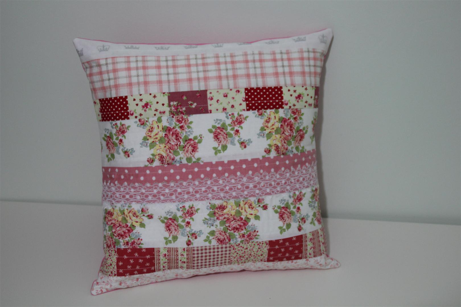 Quilted cushion cover 1