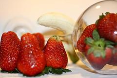 sttil01-63 (Patricia Barcelos) Tags: frutas still sexo morango pimenta sensualidade imaginao calcinha sexualidade afrodisiaco patriciabarcelos patbarcelos patfotgrafa