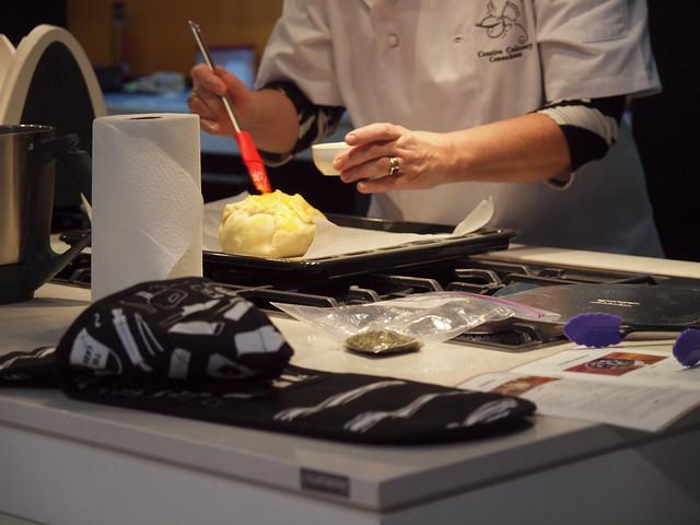 baked camembert en croute