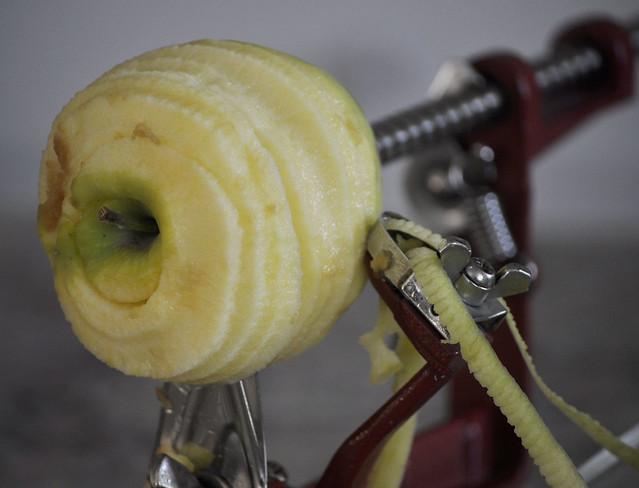 Apple slicer and pealer copy