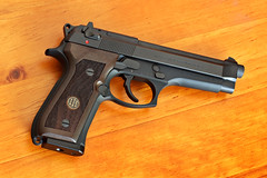 Beretta Walnut Grips on Beretta 92FS