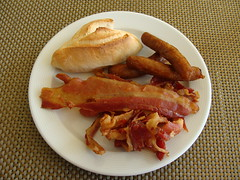 Bacon and Sausages (knightbefore_99) Tags: food art breakfast bread mexico bacon pain tasty meat mexican oaxaca sausages pan desayuno huatulco tocino tangolunda