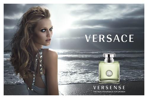 Toni-Garrn-perfume-Versace