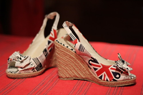British Shoes… From Latvia by Noelinho.org