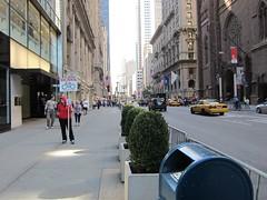 Publicidad (tonnoro) Tags: nyc newyork bike rental cartel nuevayork hombreanuncio