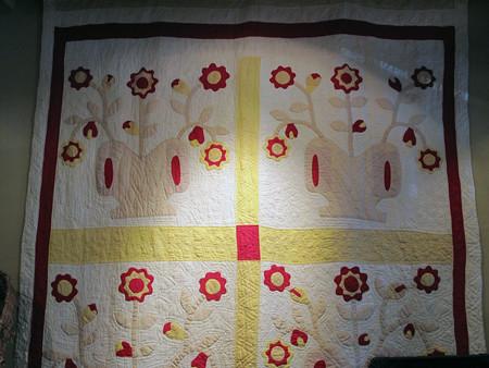 Vintage Applique Flower Quilt