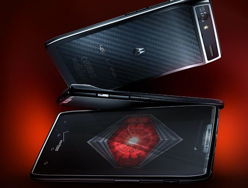 motorola-droid-razr-gets-an-early-introduction-ahead-of-tomorrow