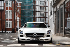 Visitor. (Alex Penfold) Tags: auto camera white london cars alex sports car k sport mobile canon photography eos mercedes benz photo cool flickr dubai doors image awesome flash picture super spot exotic photograph plates spotted hyper supercar spotting sls exotica sportscar amg sportscars supercars gullwing merc penfold 1824 spotter 2011 hypercar 60d hypercars alexpenfold k1824