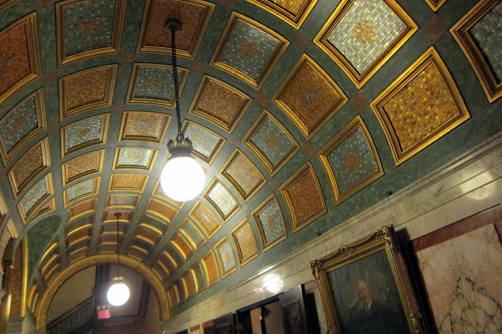 NYC: Masonic Lodge - 3rd floor hallway