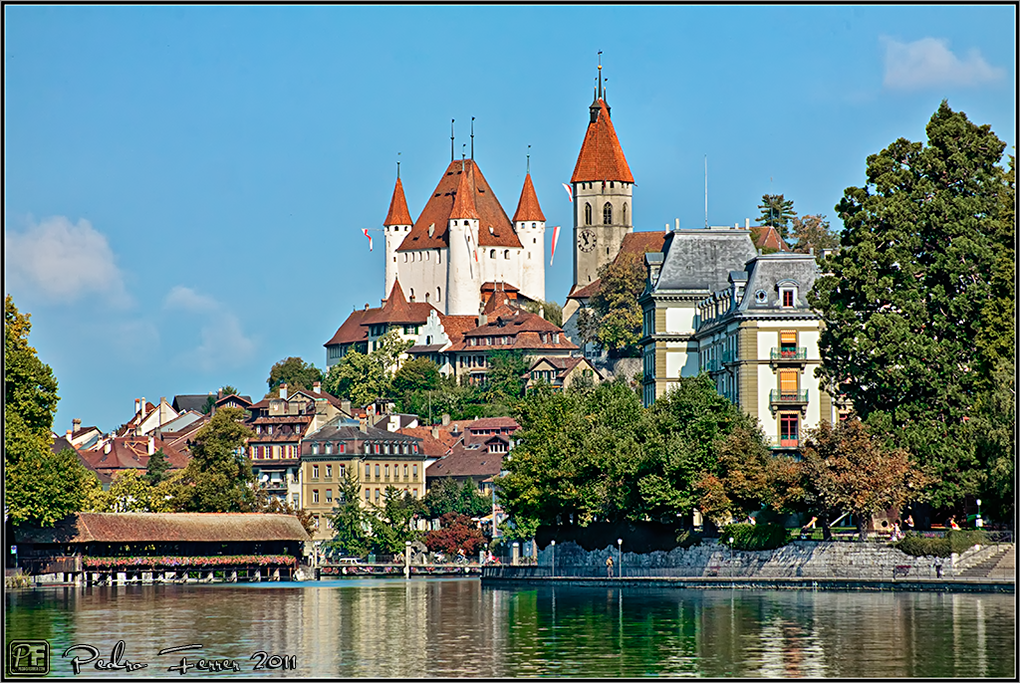 Suiza - Pueblos con encanto - Thun - Castillo puente y lago