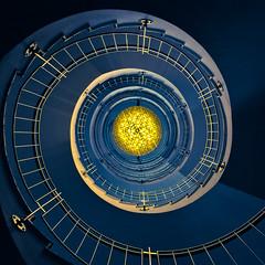 (Philipp Gtze) Tags: hotel dresden stair treppe escalera chandelier staircase treppenhaus kronleuchte
