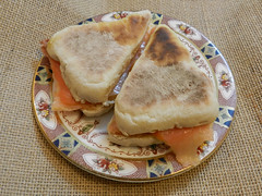 Soda bread minis & salmon