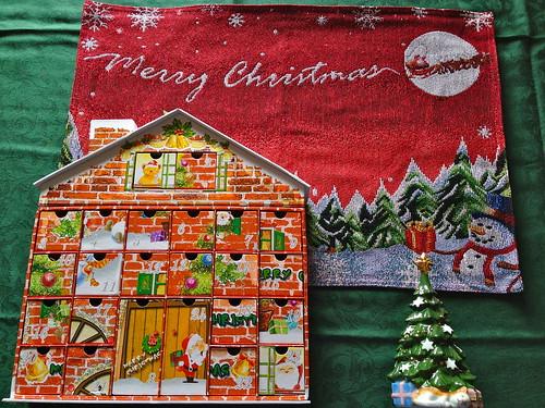 さぁ、クリスマスの用意しよっ!