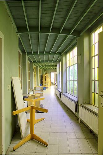 Urbex : Rusthuis - Curved corridor -