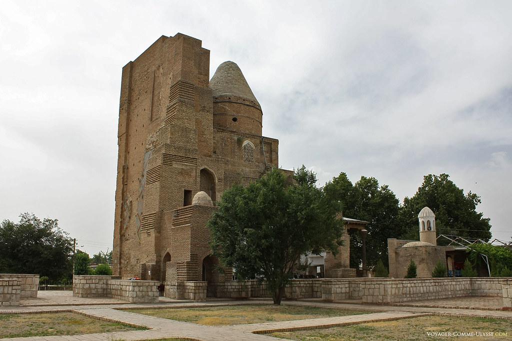 O mausoléu de Dorussiadat, lugar onde se encontra Jehangir, o filho preferido de Tamerlão.