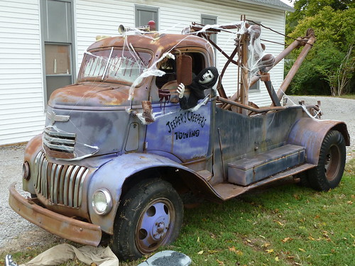 40's Vintage Chevrolet COE Tow Truck
