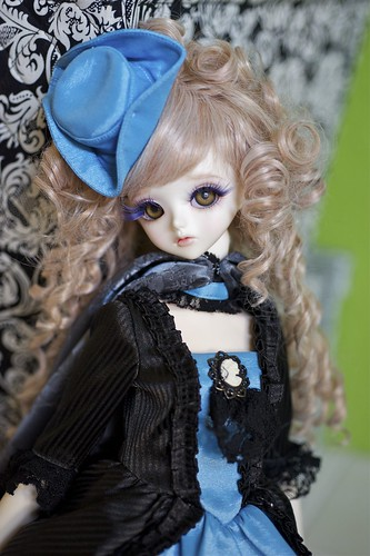 Yeru in Splendid Blue by alington
