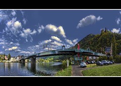 Moselbrcke (Wim Koopman) Tags: bridge blue red sky green tower water grass metal clouds stairs canon river photography photo stream flag hill stock ruin powershot pole brug flagpole brcke mosel stockphoto s90 rheinlandpfalz stockphotography s100 hunsrck moezel trarbach traben wpk s95