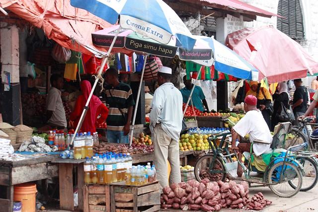 market, mbweni beach fam pics 001.jpgedit