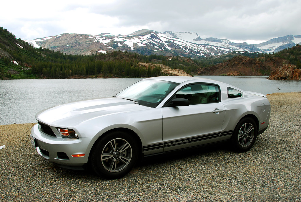 Ford Mustang 2011 V6
