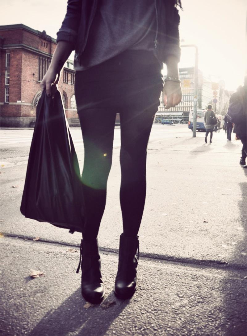 gTie leather shopping bag Kauppakassi Stella Harasek 1
