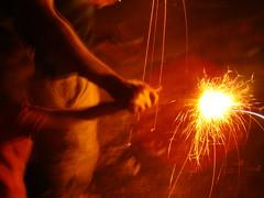Phool Jhari & the kid 2 (Adrakk) Tags: india festival fireworks cracker diwali firecracker ptard inde feudartifice pataka dipavali