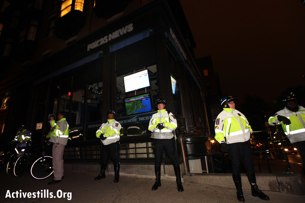 Occupy Boston march in solidarity with Occupy Oakland (day 27) 26/10/2011
