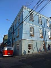(alvarejo) Tags: chile colors azul valparaiso casa vieja colores cielo oldhouses valparaisochile casavieja tonos quintaregion oldhose