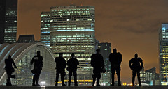 Occupy Wall-Street, Occupy (occupons) La Défense ! Police sur la grande arche (nARCOTO) Tags: paris france indignés