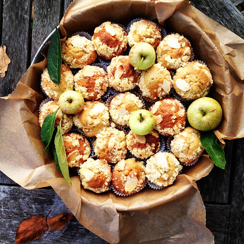 Apple mini cakes