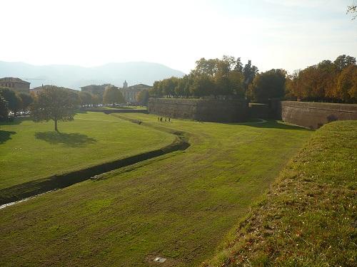 Cinta muraria di Lucca