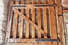 DOOR02 (www.ignaciolinares.com) Tags: door wood canon eos arquitectura puerta madera doors entrada puertas 5dmkii