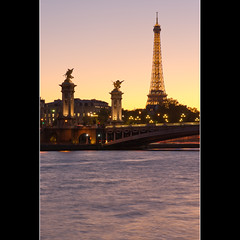 Alexandre III sur fond de Tour Eiffel (Zed The Dragon) Tags: morning bridge light sunset 3 paris night reflections french effects lights iso100 long exposure flickr view shot minolta sony iii eiffel images 100mm best musee full fave most ciel frame getty pont faves 100 fullframe alpha nuage alexandre nuit pyramide mange reflets postproduction hdr highdynamicrange sal lelouvre zed gettyimages francais lightroom effets 100mmmacro alexandreiii parisien favoris 24x36 poselongue 0sec f140 a850 sonyalpha hpexif minoltad concordians 100commentgroup 100comment dslra850 alpha850 mygearandme zedthedragon 100coms