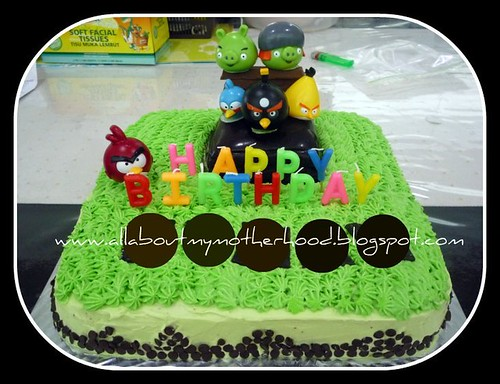 Angry Bird Birthday Cake