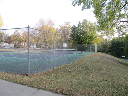 Tennis Courts at 46th St and 32nd Ave S