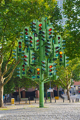 Traffic Light Tree (Gabludlow) Tags: uk red england sculpture trafficlights tree green london amber roundabout docklands isleofdogs trafficlighttree pierrevivant