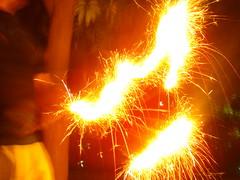 Phool Jhari 5 (Adrakk) Tags: india festival fireworks cracker diwali firecracker ptard inde feudartifice pataka dipavali