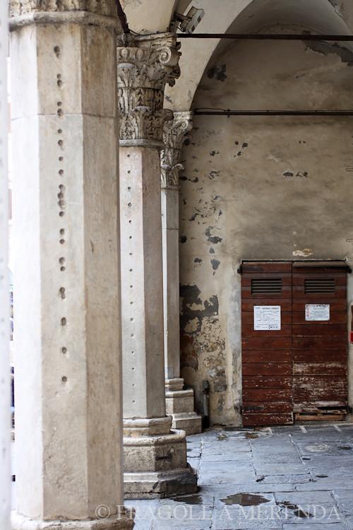 Perugia: sotto i portici