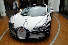 Bugatti Veyron 16.4 Gand Sport L'Or Blanc - One of One (TobSpeed) Tags: berlin forum 164 bugatti porcelain veyron porzellan automobil kpm bugattiveyron grandsport lorblanc unicate