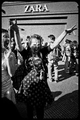 Zombie Walk (045) - 23Oct11, Paris (France) (]) Tags: portrait blackandwhite bw woman paris girl dead death scary blood hand noiretblanc zombie walk mort femme fear main grain makeup nb parade spooky panic gore horror terror cry sang yell maquillage zara marche cri horreur peur livingdead terreur panique zombiewalk effrayant mortvivant