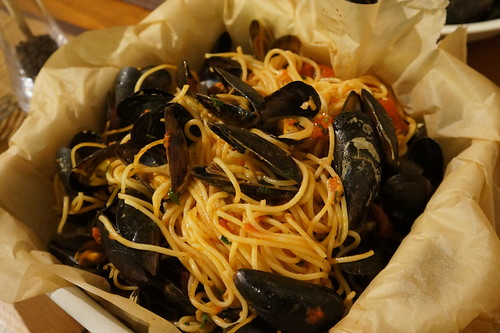 baked spaghettini with mussels