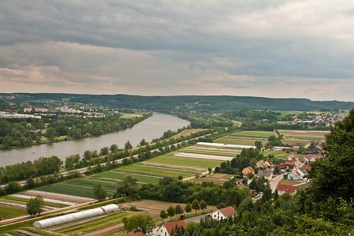 圖一:有愈來愈多國家利用河岸的農田構成洪氾平原的一部分,提供河川行水的自由。攝影:marcusjroberts。本圖適用CC-BY授權。