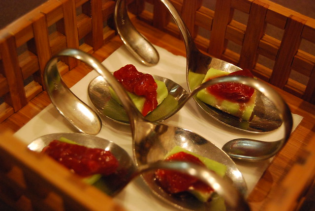 Cucharas de queso con wasabi y mermelada del Restaurante TK