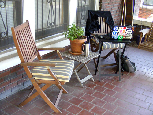 The outdoor home office. acnatta/Flickr