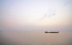 কে যাস  রে  ভাটি গাং বাইইয়া....[Listen Bangoli and Hindi music  By SD Burman]