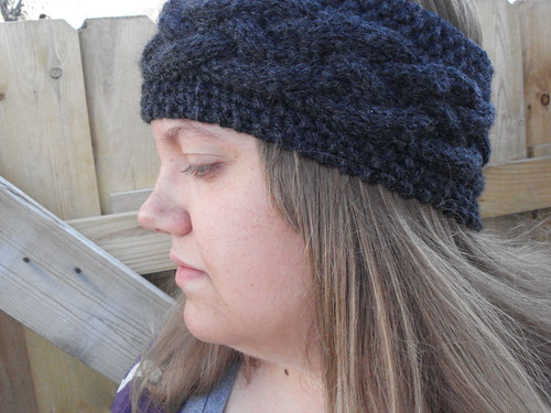 Cabled headband
