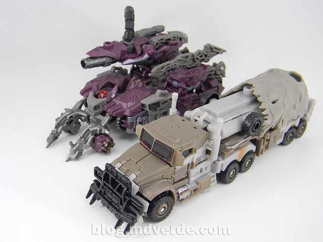 Transformers Megatron DotM Voyager - modo alterno vs Shockwave